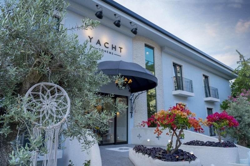 Yacht Boheme Hotel